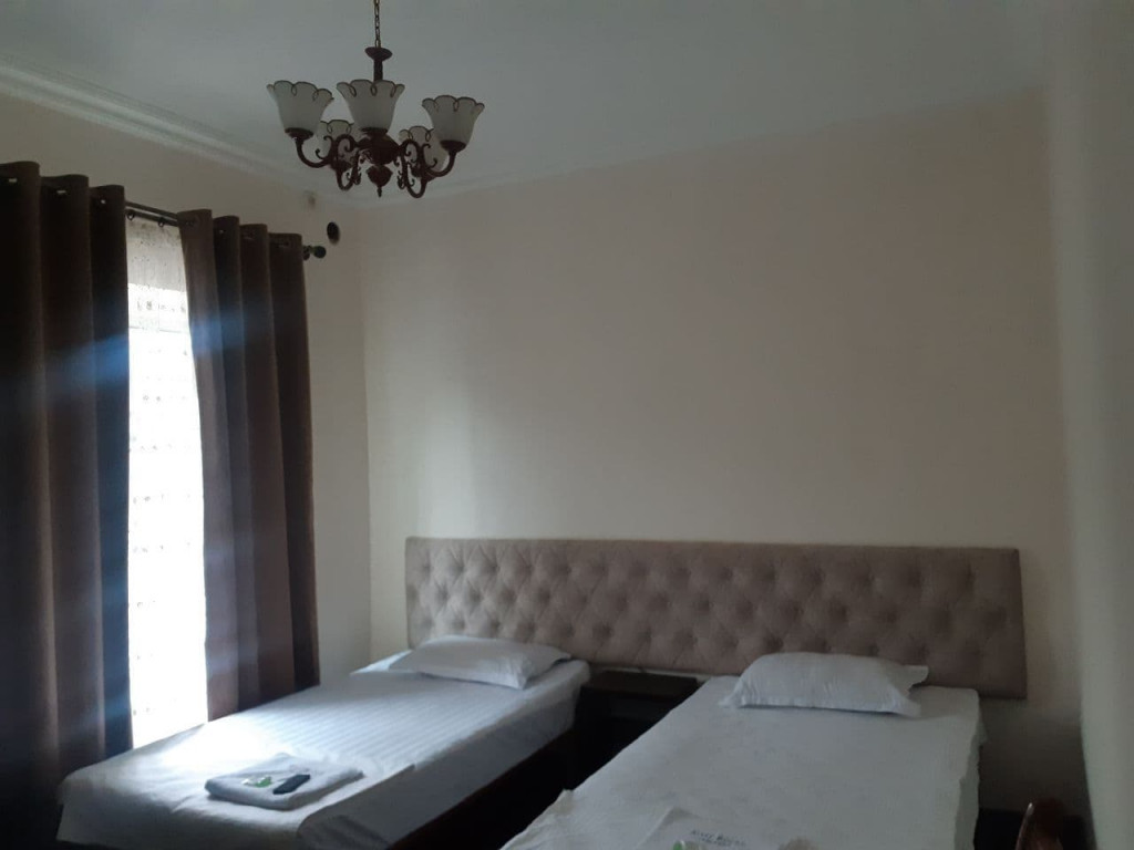 Room 3909 image 37528