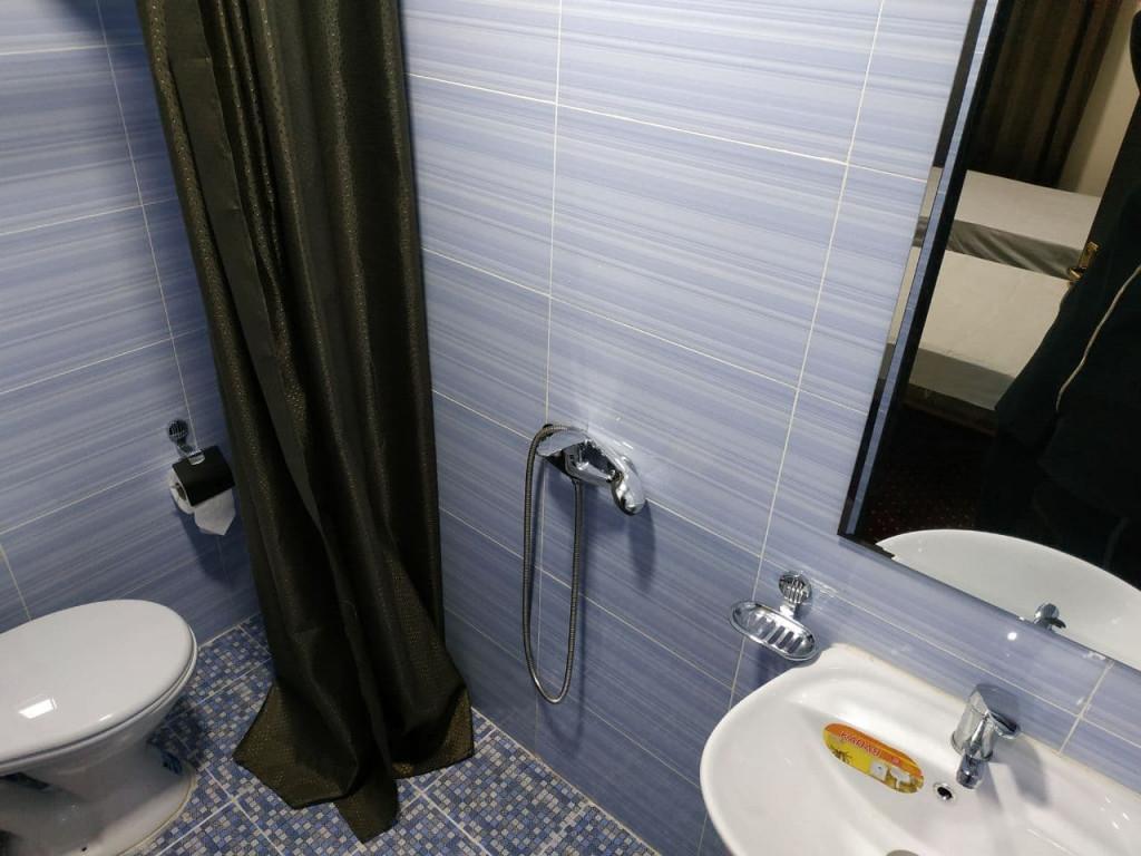 Room 3907 image 37529