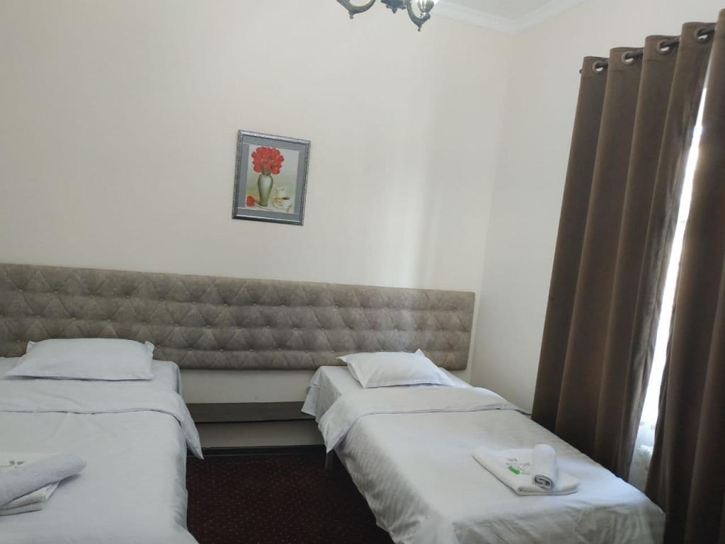 Room 3909 image 37535