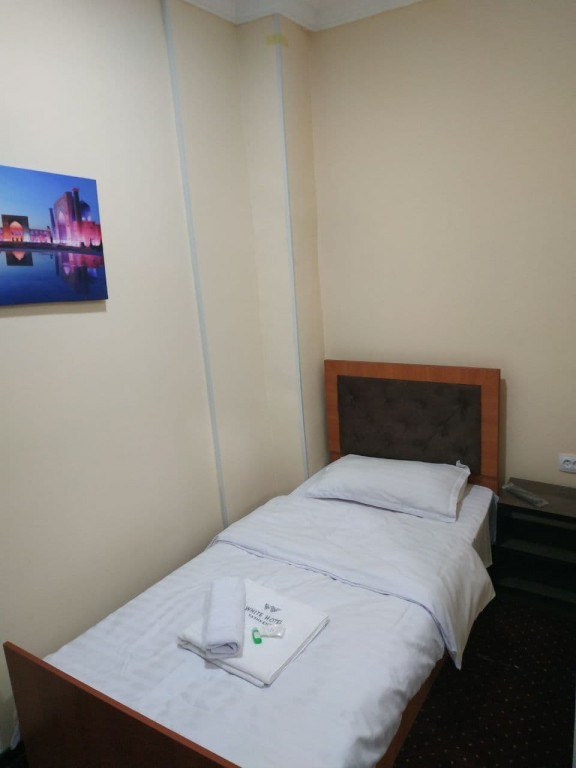 Room 3907 image 37534