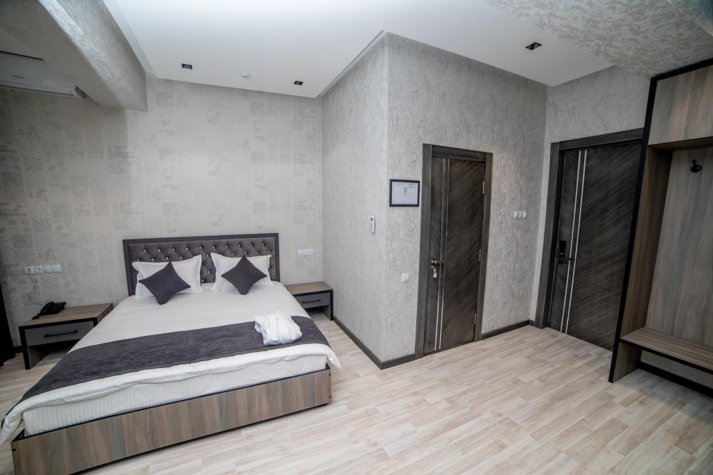 Room 3920 image 37507