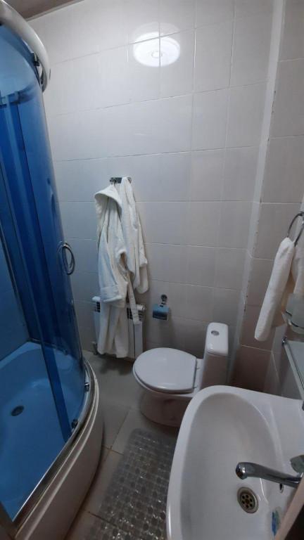 Room 3930 image 37582