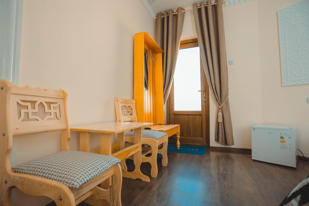 Room 3949 image 38730