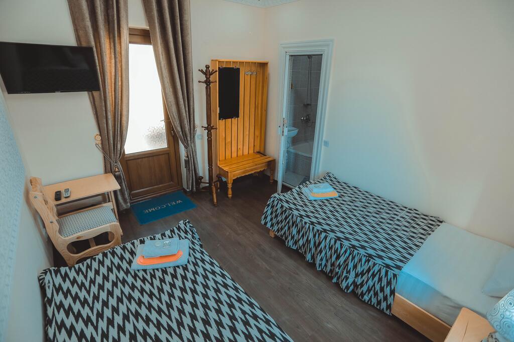 Room 3949 image 38728