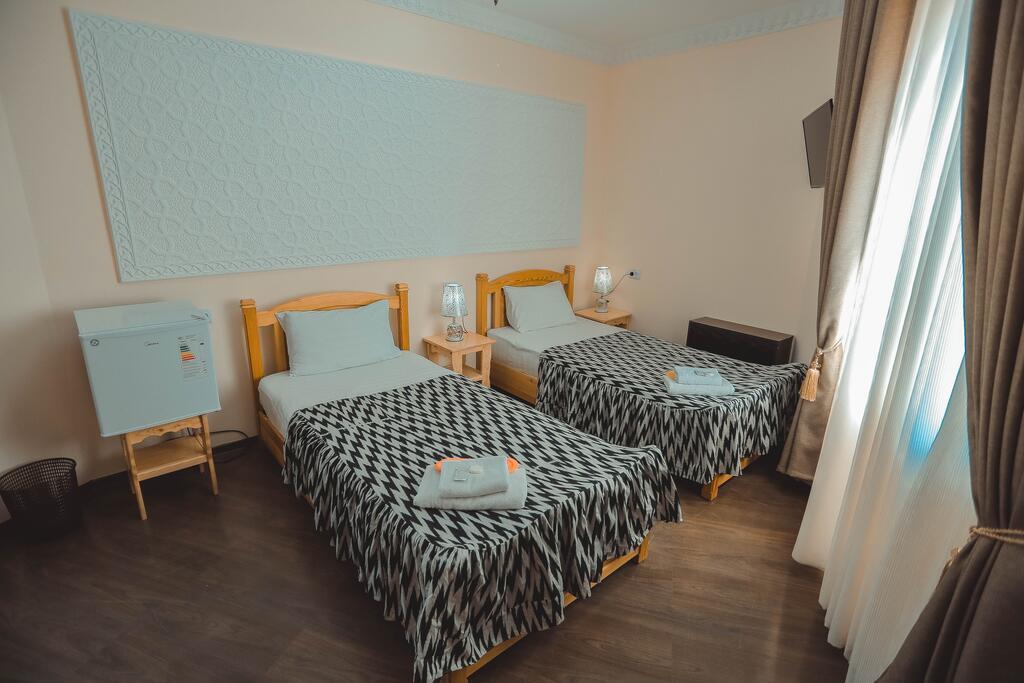 Room 3949 image 38738
