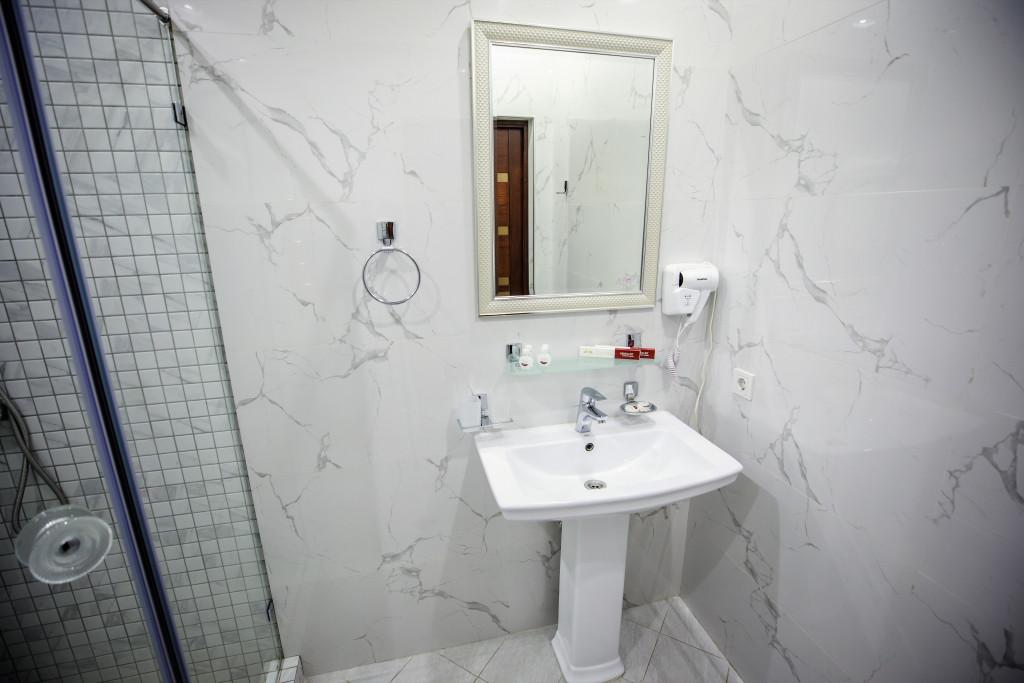 Room 3981 image 40019