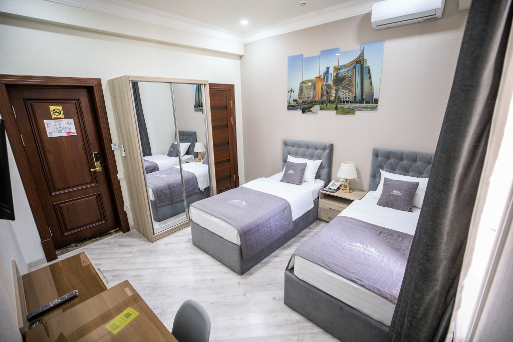 Room 3982 image 40022