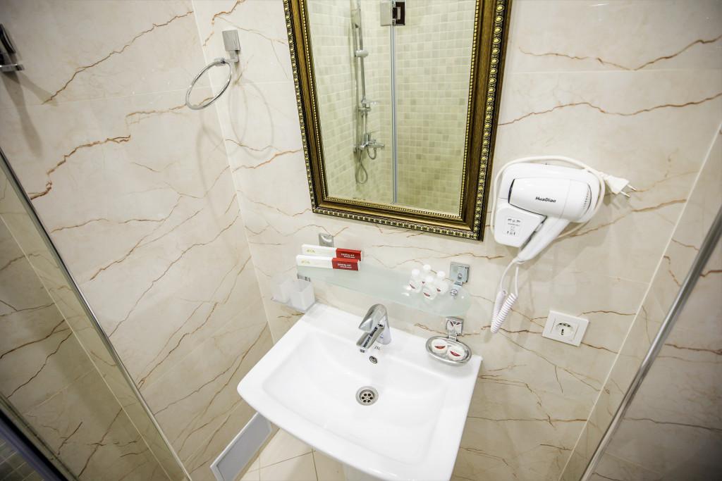 Room 3982 image 40030