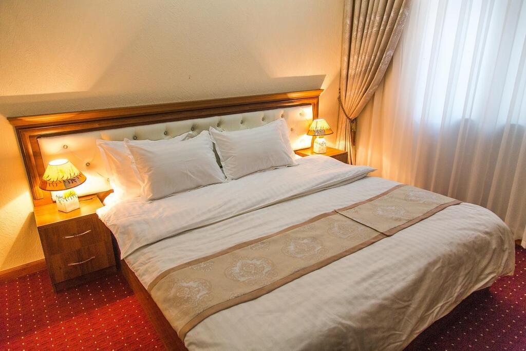 Room 3989 image 39682