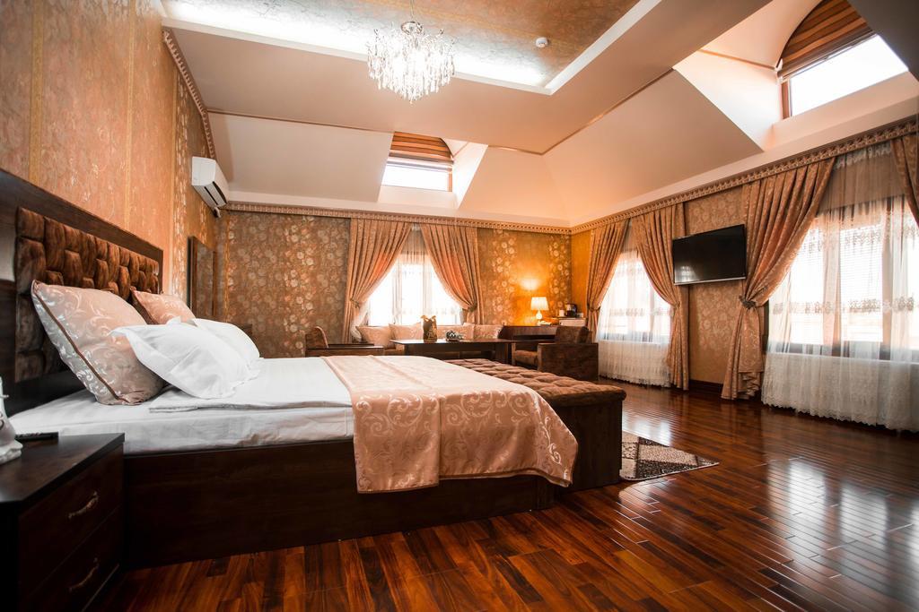 Room 4061 image 39096