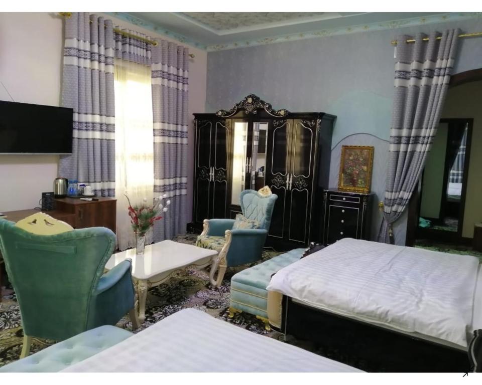 Room 4063 image 39121