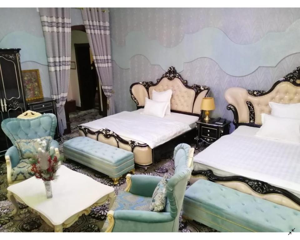 Room 4063 image 39124