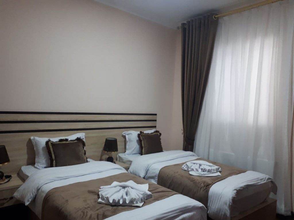 Room 4020 image 38622