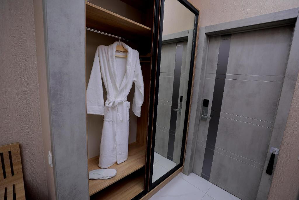 Room 4204 image 40847