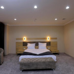 Room 4205 image 40853 thumb