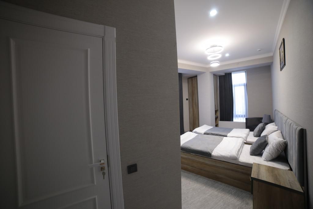 Room 4212 image 40776