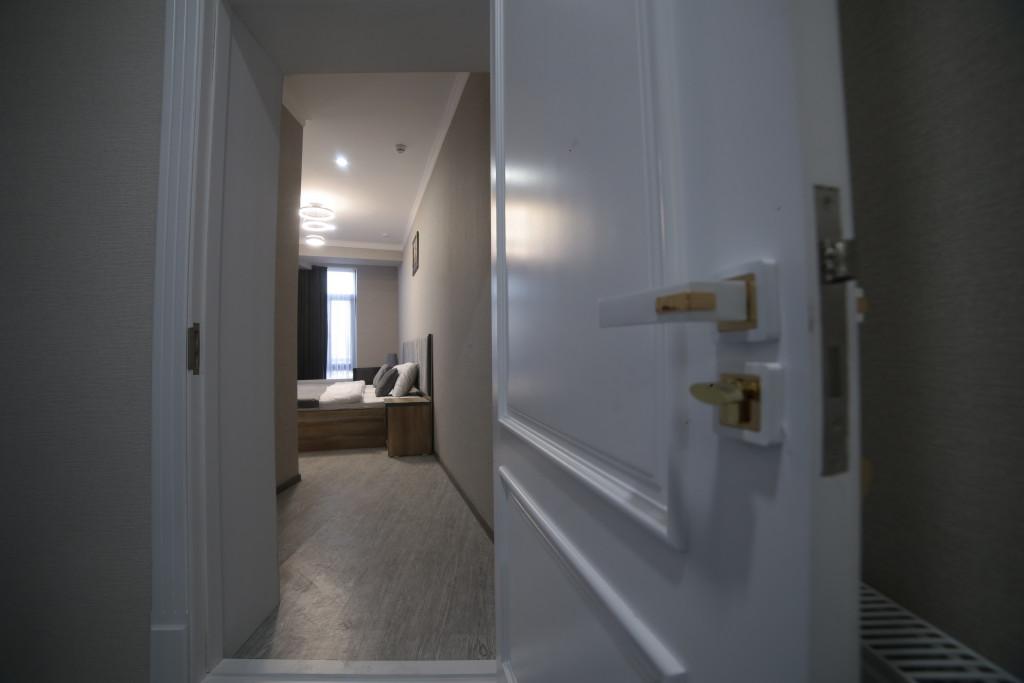 Room 4212 image 40777