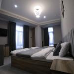 Room 4212 image 40778 thumb