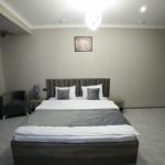 Room 4212 image 40784 thumb