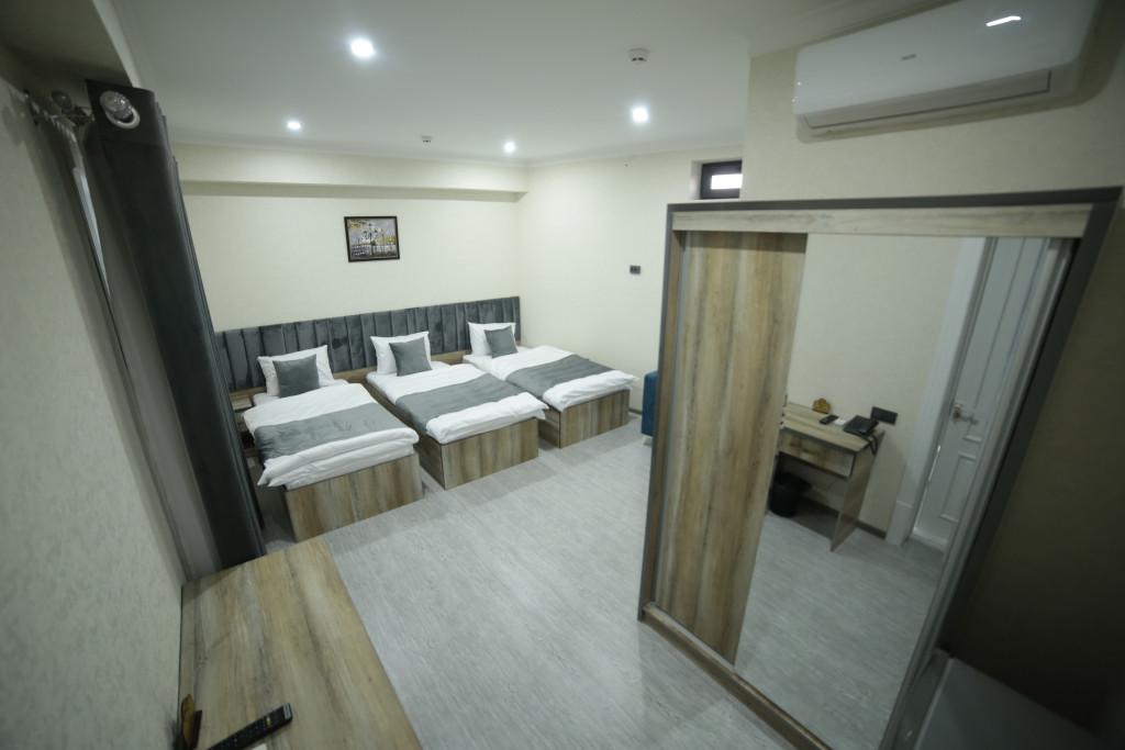 Room 4211 image 40792