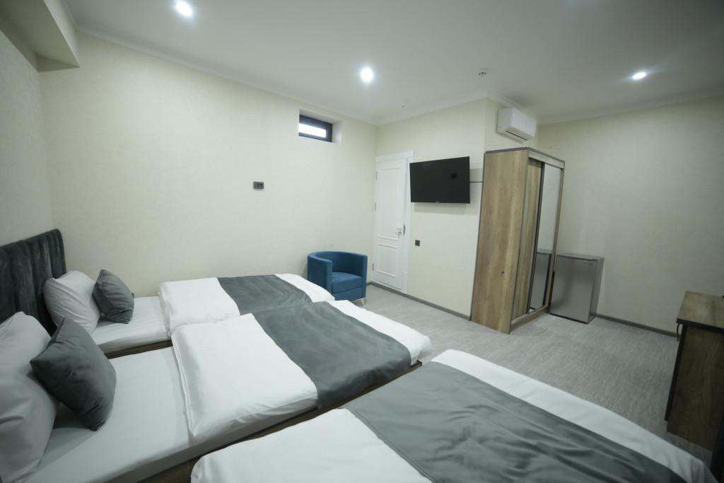 Room 4211 image 40793