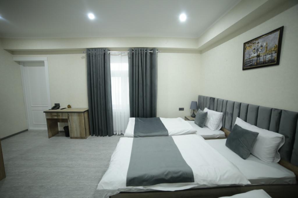 Room 4211 image 40794