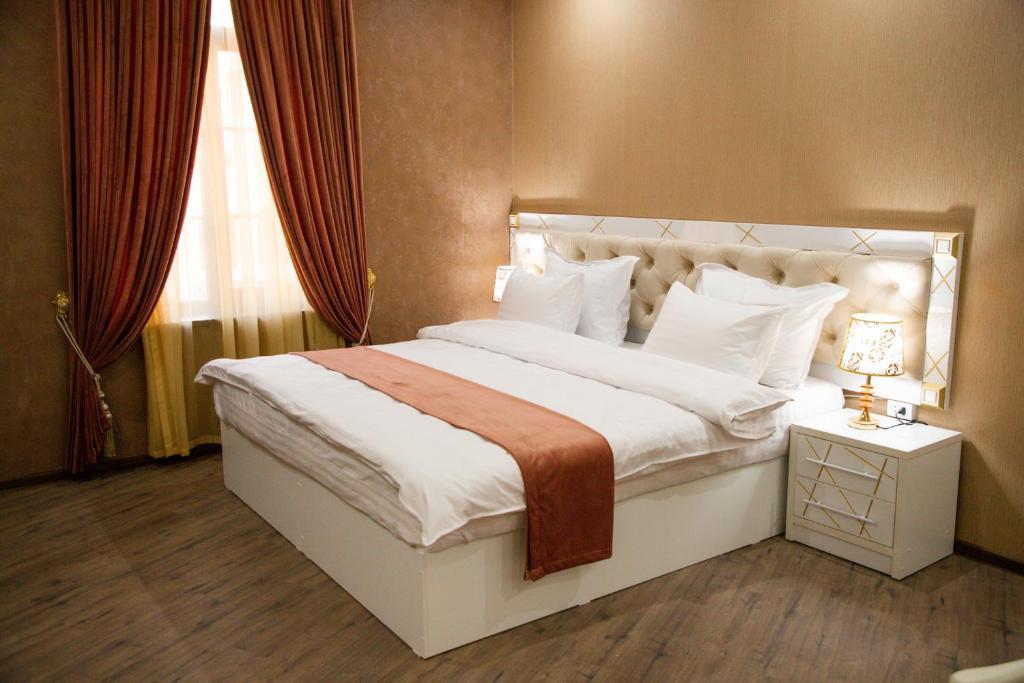 Room 4225 image 40889