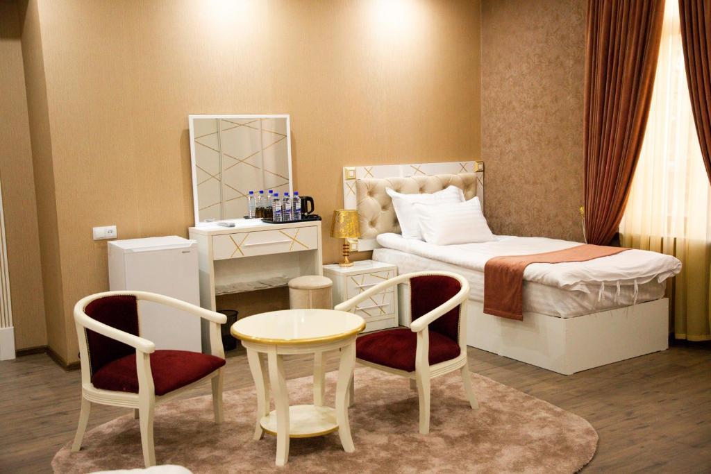 Room 4225 image 40890