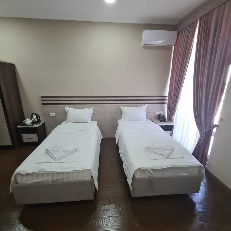 Room 4358 image 42915