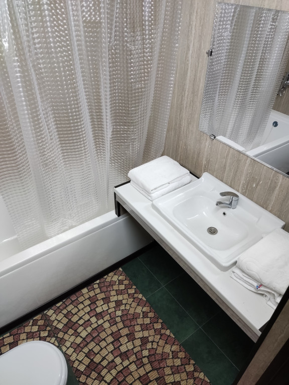 Room 4366 image 42373