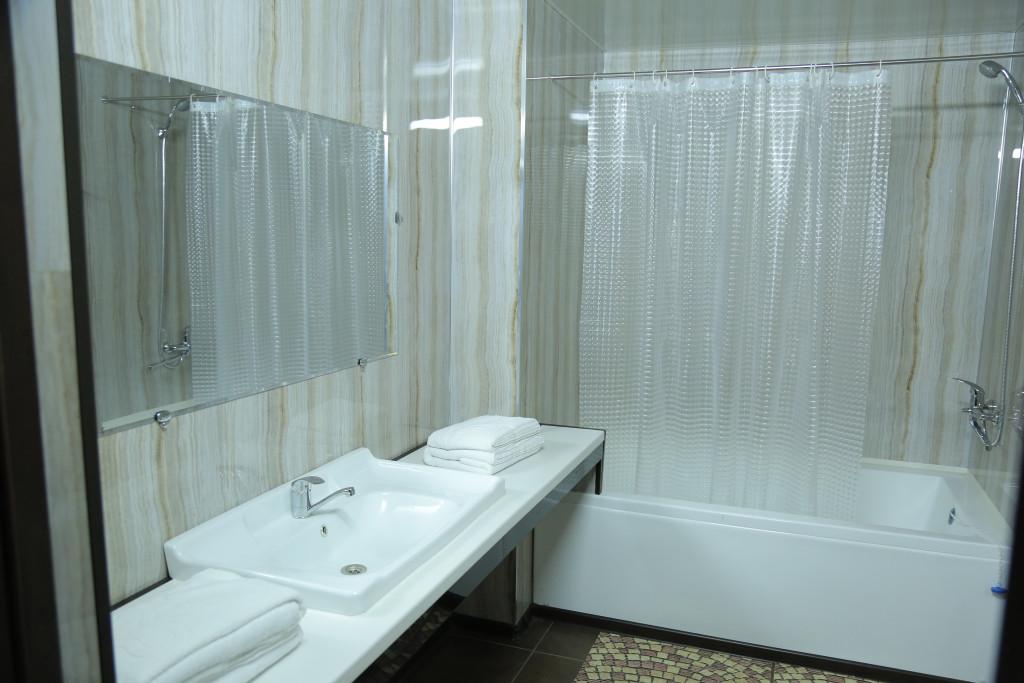 Room 4368 image 42379
