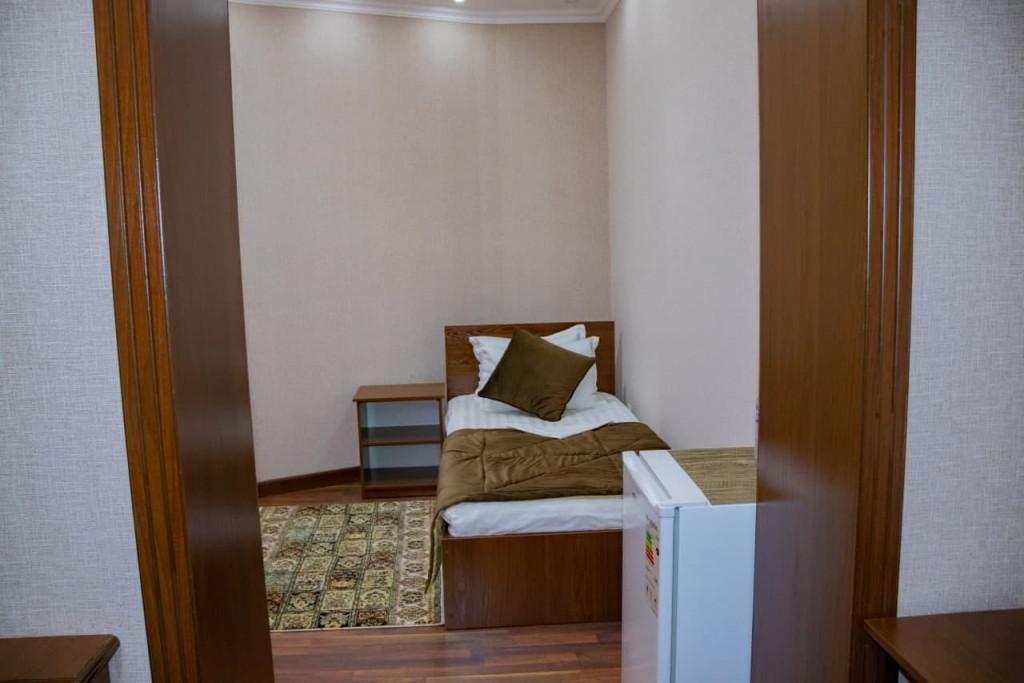 Room 4377 image 43079