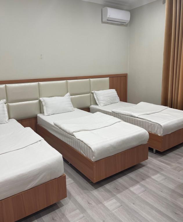 Room 4418 image 43047