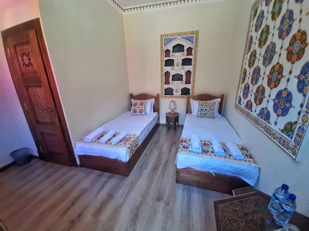Room 4402 image 42792