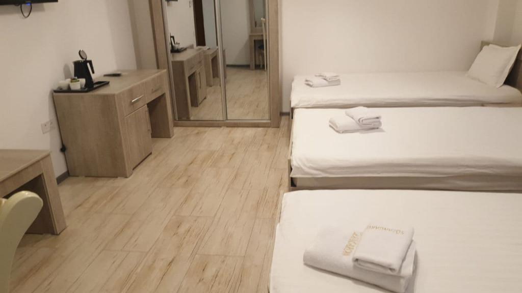 Room 4447 image 43477
