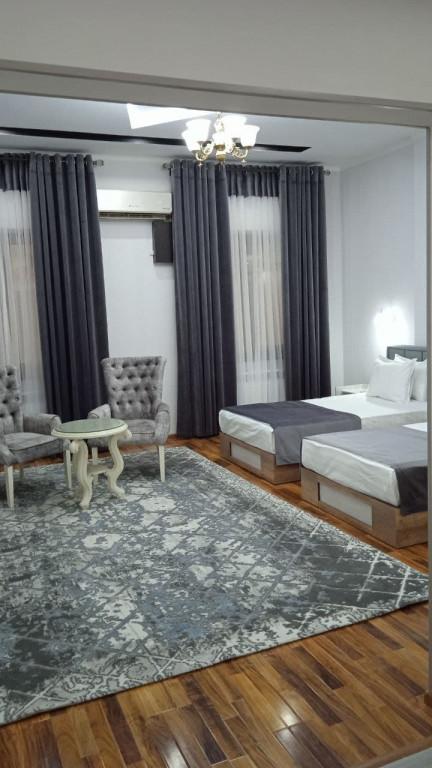 Room 4467 image 43178