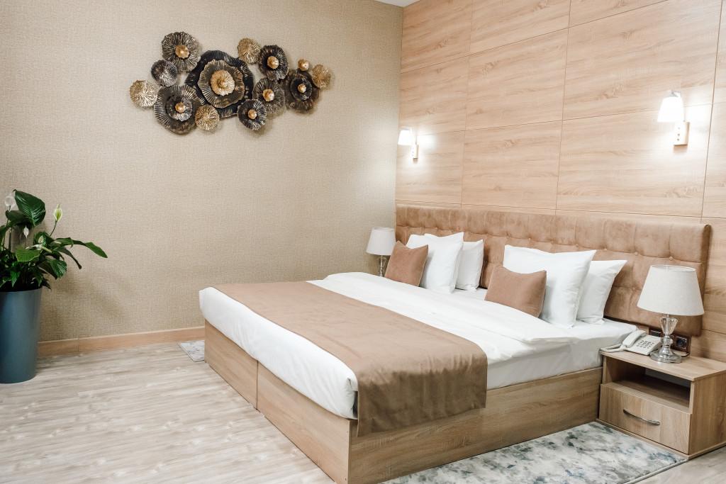 Room 4476 image 43635