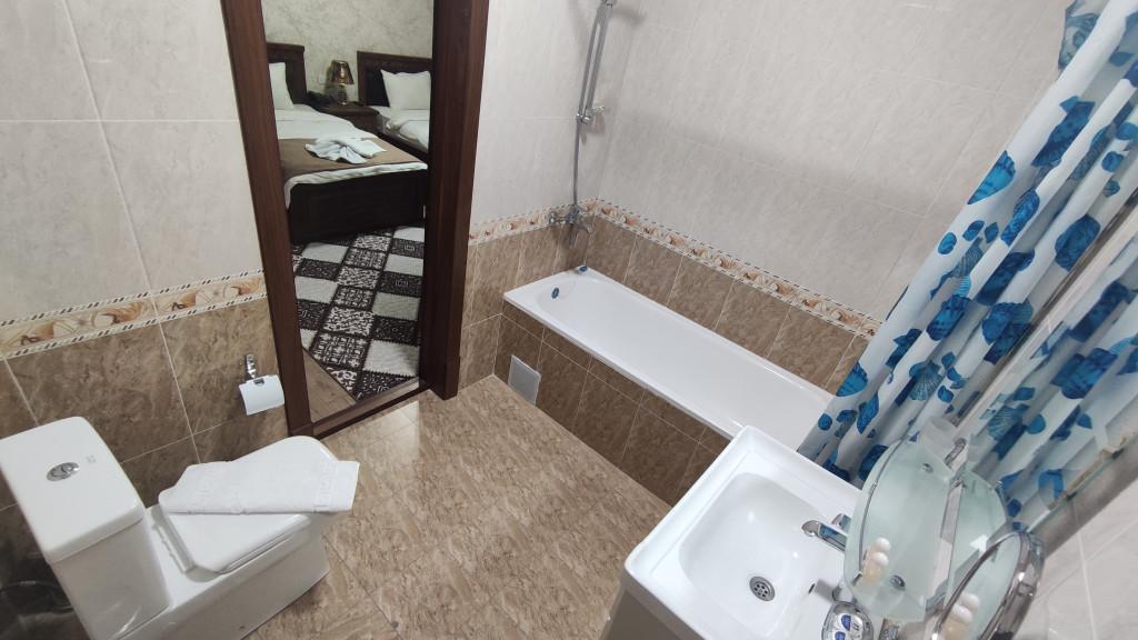 Room 4502 image 43975