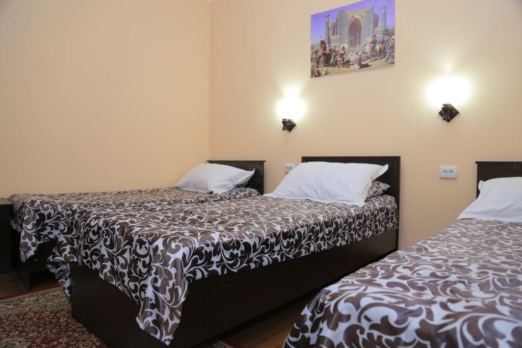 Room 608 image 15258