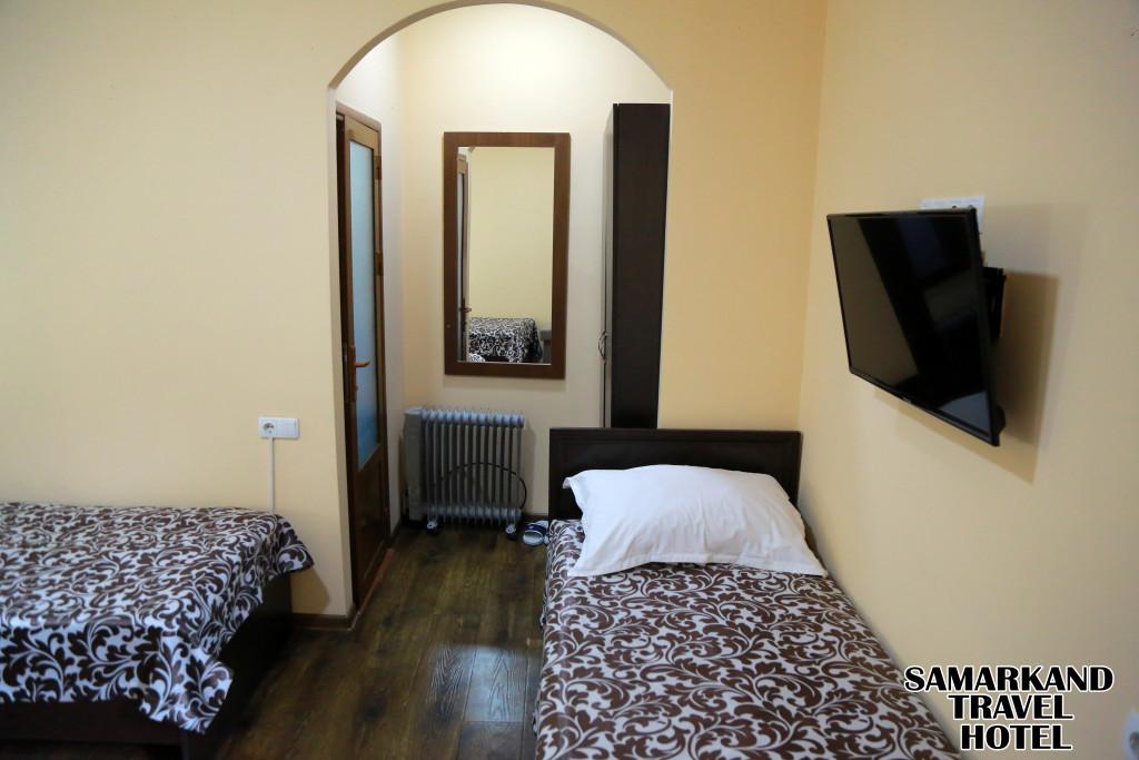 Room 608 image 32192