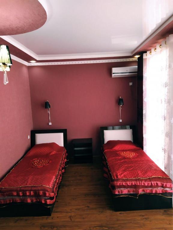 Room 82 image 34657