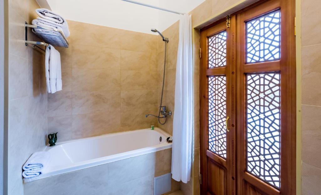 Room 433 image 25934