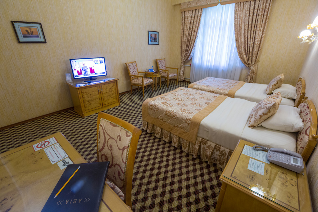 Room 380 image 32551