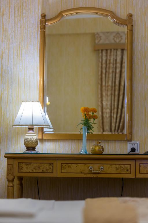 Room 380 image 32557
