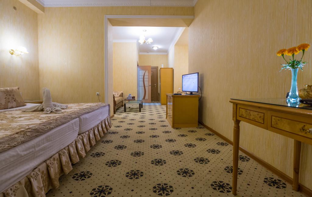 Room 382 image 32581