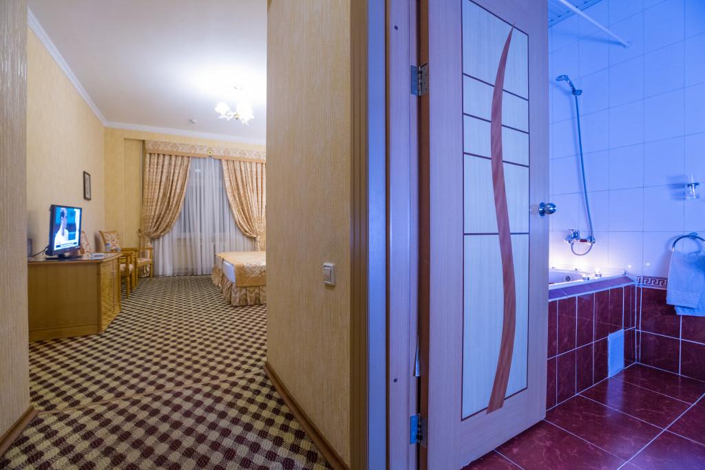 Room 382 image 32605