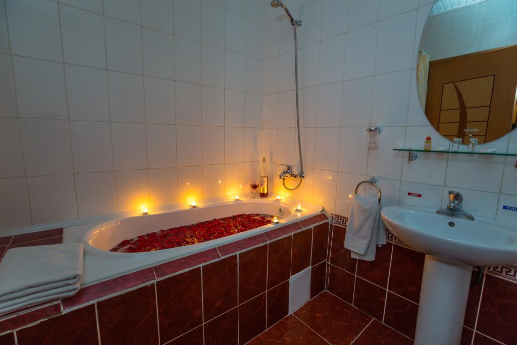 Room 382 image 32606