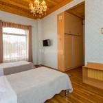Room 303 image 26568 thumb