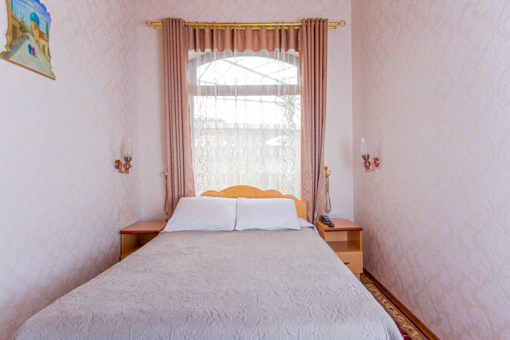 Room 302 image 26580