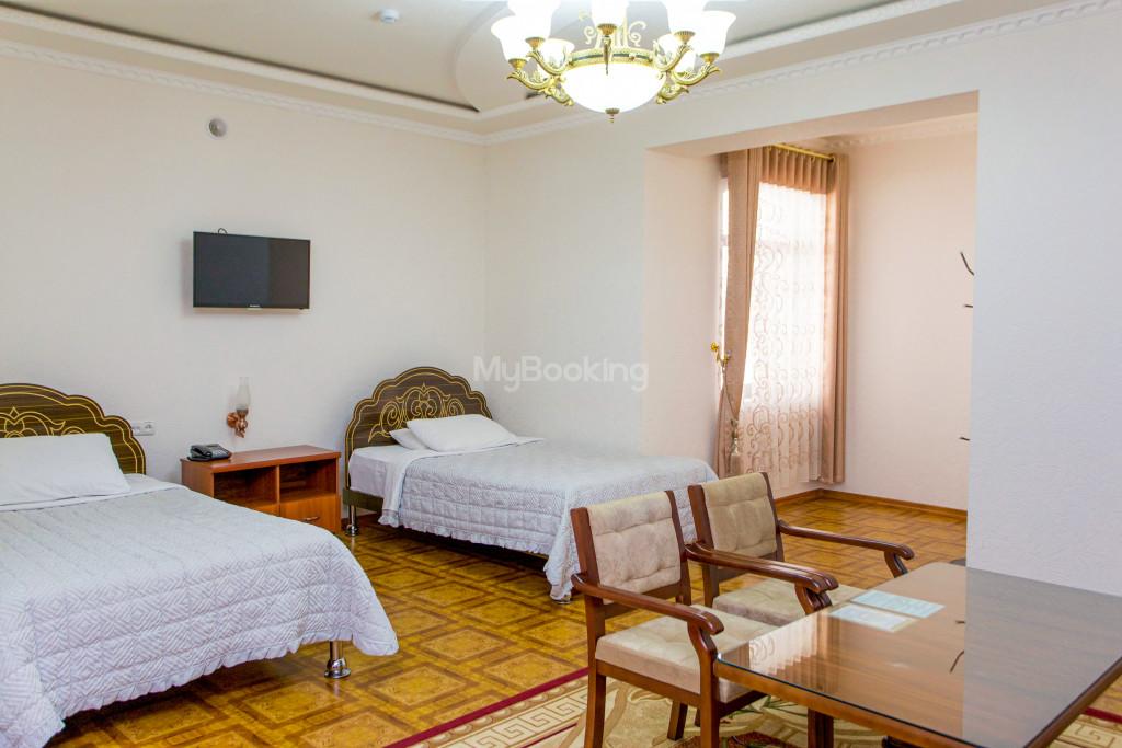 Room 305 image 26589